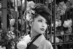 The Rose (frank.gronau) Tags: garten osaka white black weis schwarz rose rosen schönheit nice beauty beautiful girl woman frau alpha sony gronau frank