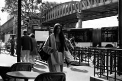 Belle ◾️ Paris 19e - Octobre 2017 (nassimjaouen) Tags: paris19 canonal1 ilford ilfordhp5 hp5 believeinfilm filmisnotdead thefilmcommunity filmphotographer filmphotography filmisalive filmshooters filmcommunity streetphotographyparis parisstreetphotography streetphotography streetlife streetphotographer everybodystreet streetperfection fromstreetswithlove lifeisstreet bestofstreet streetphotoclub streetshot zonestreet bcncollective bnwlife bnwcaptures bnwsociety