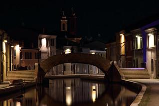 Una passeggiata serale a Comacchio - An evening walk in Comacchio