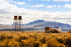 sandy (Schmidtsms) Tags: gelb blue watertower desert kalifornien blau sky yellow deathvalley california