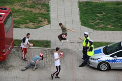 036A6451 (zet11) Tags: poland warsaw street police footballers intervention sneakpeek game dribble