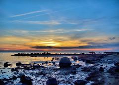 NATUR (Gila98) Tags: strand küste beach ostsee poel insel sonnenuntergang sunset sonne meer wasser felsen stille boot