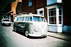 ot500 - type2 deluxe (johnnytakespictures) Tags: olympus trip500 compact automatic film analogue lomo lomography xprochrome100 xpro crossprocessed crossprocess 35mm leamingtonspa vw volkwagen type2 deluxe van camper cool car transport vehicle street nice shiny vintage retro leamington bus vignette old german