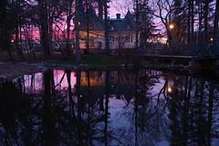 La maison du gardien, Parc du Bois-de-Coulonge (Patrice StG) Tags: gimp pentax kp pentaxart crépuscule twilight spring printemps étang pool reflection reflet house maison trees arbres