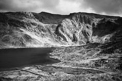 Llyn Idwal monochrome (alan.dphotos) Tags: lake idyllic hill scenics silver falls flowing water falling ravine cliff rock cascade creek moss scenery standing landscape horizon sunrise riverbank mountain range stream waterfall llyn fields moorland mountains hills craggs river freshwater hillside scenic nonurban scene valley rural rolling peak countryside ridge sky monochorome