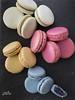 MACARONS EDITADO (mad.bakery) Tags: amarillo azãºl frutosrojos macarons pistacho pizarra rosa vainilla verde azúl