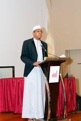 (Edgedale) Tags: ircc muslim christian alislahmosque churchofthetransfiguration talk dialogue faith catholic canonef50mmf18ii