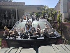 Neighborhood art car, Burbank, California, USA (gruntzooki) Tags: california cali cal usa losangeles ca la burbank artcar