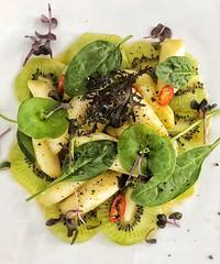 Spargelsalat auf Kiwicarpaccio (ISO 69) Tags: foodporn foodie food carpaccio asparagus salad kiwi spargel salat