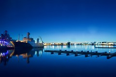 Reykjavik, Iceland (leo_li's Photography) Tags: 레이캬비크 아이슬란드 レイキャヴィーク アイスランド reykjavik nightscape ship harbour night reykjavík ísland 冰岛 冰島 雷克雅未克 iceland