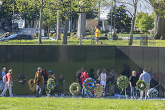 Mirror mirror (Tim Brown's Pictures) Tags: washingtondc nationalmall monuments memorials vietnamveteransmemorial vietnamwarmemorial statue wall reflection visitors travel washington dc unitedstates