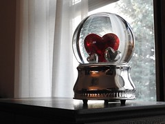 A gift from the heart...Explored (Jane Lazarz) Tags: janeelizabethlazarz walkingcolorado nikon p900 nikonp900 coloradosprings colorado janelazarz breathtakingcolorado heart hearts red snowglobe inexplore explore explored amoralarte