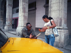 Streets of Havana - Cuba (IV2K) Tags: havana habana lahabana cuba cuban kuba caribbean cubano habanavieja mamiya mamiya7ii mamiya7 kodakfilm kodak kodakektar analogue ishootfilm istillshootfilm hiphavana