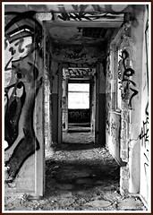 Tag der offenen Tür... (rasafo66) Tags: duisburg verlasseneorte urbex deutschland nrw nordrheinwestfalen alteindustriebrachen verfallen lostplaces graffiti sonyalpha58 tamron1750