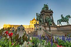 Wien 2017 (karlheinz klingbeil) Tags: sculpture skulptur panorama austria evening city abend vienna österreich stadt wien