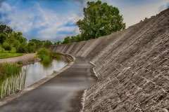 Die Straßburger Parkseite (tucsontec) Tags: strassburg alsace elsas park landesgartenschau kehl hdr tourism nature natur outdoor bäume waterfall water wasser p