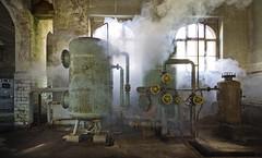 Das kleine Kraftwerk (17) - REVISITED - (david_drei) Tags: fog fogmachine haze nebel nebelmaschine kraftwerk powerplant powerhouse powerstation experiment urbex abandoned lostplace lost lp