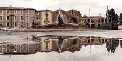 Come d'altri tempi - As a vintage shot (Stefano Avolio) Tags: roma rome piazzaesedra vintage riflesso reflection piazza square monocromo