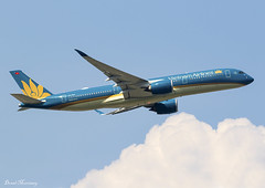Vietnam Airlines A350-900 VN-A896 (birrlad) Tags: frankfurt fra main international airport germany aircraft aviation airplane airplanes airline airlines airliner airways takeoff departure departing climbing banking airbus a350 a359 a350900 a350941 vietnam vna896 hanoi sky