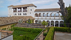 DSCF5524c Generalife, Alhambra, Granada (Thomas The Baguette) Tags: granada spain granadaspain espagne espana alhambra nesrid nesridpalace patiodelosleones lionfountain comares moorish fountains architecture gardens machuca alcazaba