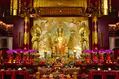 Interior of the Temple of the Buddha Tooth Relic in Chinatown, Singapore (UweBKK (α 77 on )) Tags: interior inside temple buddha buddhist buddhism religious religion worship tooth relic chinatown gold red singapore southeast asia sony alpha 77 slt dslr
