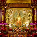 Interior of the Temple of the Buddha Tooth Relic in Chinatown, Singapore thumbnail