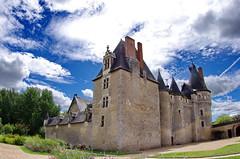 1369 Val de Loire en Août 2017 - Fougères-sur-Bièvre, le château (paspog) Tags: valdeloire france 2017 château castle schloss fougèressurbièvre châteaudefougèressurbièvre