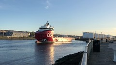 Skandi Feistein - Aberdeen Harbour Scotland - 14/5/2018 (DanoAberdeen) Tags: stxbow iphonevideo iphone8plus video mpeg skandi skandifeistein danoaberdeen candid amateur harbour seaport tug psv abz abdn gb uk scotland scottish aberdeenharbour aberdeenscotland scotch northsea bluesky aberdeencity grampian 2018 geotagged northpier dofgroup supplyships supplyvessels oilships aberdeen offshore cargoships workboats tugboats ship vessels boats seafarers maritime oilrigs water docks quayside berth northeast torry boat vessel sailor merchantnavy ships