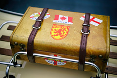 Scotland, England, Canada (Eric Flexyourhead) Tags: vancouver canada britishcolumbia bc vandusenbotanicalgarden 2018 allbritishfieldmeet abfm car motor detail fragment british english triumph triumphdolomitesprint suitcase luggage luggagerack vintage retro old weathered worn leather stickers england scotland sonyalphaa7 zeisssonnartfe55mmf18za zeiss 55mmf18