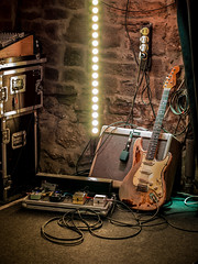 """We call it """"the calm before the storm"""" (especially if you heard this guitarist live) (mb36269) Tags: rorygallagher volkhardschuster theloop nörgelbuff göttingen haas guitars rock guitar fender live music"""