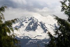 Mount Baker west face through gap (johnwporter) Tags: hiking scramble cascades northcascades mountains pugetsound lookoutmountain 徒步 爬行 喀斯喀特山脈 北喀斯喀特山脈 山 普吉特海灣 瞭望山