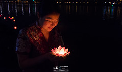 Make a wish - Langzhong [gb-studiophoto.com] (gaelmonk) Tags: 2017 china chine chongqing hongbo lan wish langzhong voeux make faites un lotus flower fleur night nuit wild aperture grand ouverture candle bougie candles bougies bokeh portrait 169 cinema cinéma