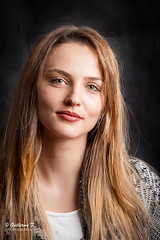 Eva (guillermo_fernandez) Tags: roja nikon nikonistas retrato portrait color d700 chica girl models