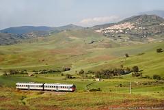 Salto indietro nel tempo (niccolòbonannini) Tags: railway treno agrigento palermo 668 aln668 ferrovia siciliacentrale sicilia alia roccapalumba