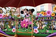 disney friends springtime processional parade (alienalice) Tags: hkdl hkdisneyland mickeymouse minniemouse baymax hiro goofy pluto disneyprincess disneyfriendsspringtimeprocessionalparade