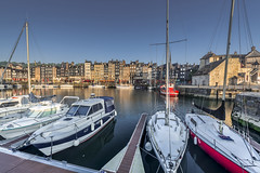 Day rises on the old harbor of Honfleur (Sizun Eye) Tags: marina port boat harbor old monument facades town sunrise morning light sizun sizuneye france nikond750 nikkor1424mmf28 nikkor nisifilters leefilters vieuxbassin