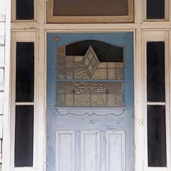 old house 6 (Strawbryb) Tags: queenslandercottage abandonedhouse abandoned beautyindecay fadingaway rusty artdeco frontdoor leadlightdoor