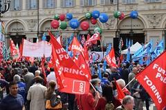 Festa in piazza (only_sepp) Tags: torino primomaggio piazzascarlo manifestazione bandiere palloncini colore festa lavoro lavoratori