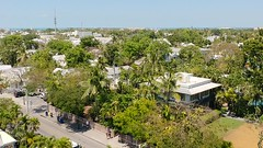 Shuffling around the Key West lighthouse   2018.05.03 (Kaemattson) Tags: fl florida keys atlantic ocean gulf mexico bay saltwater turquoise water lighthouse oldtown old town key west panorama gulfofmexico atlanticocean bayofflorida everglades limestone keywest southernmost panoramic 360 keywestlighthouse keywestfl rooster