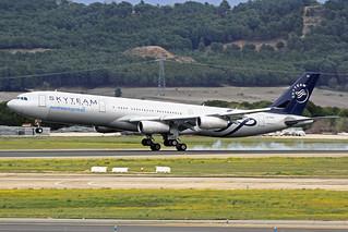 Aerolineas Argentinas Airbus A340-313X LV-FPV MAD 11-04-18