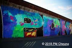 Streetart – Urbanart – Graffiti – Berlin - IMG_3623 (PM Cheung) Tags: berlinmuralfeststreetart streetart wandbilder wandgemälde graffiti hiphop rap murals street style pomengcheung kunst strasenmalerei facebookcompmcheungphotography muralfest pmcheung mengcheungpo mto urbanspree parkamgleisdreieck gleiseckpark walloffame 1up pasteups streetartist streetartistry boxart electricalbox electricalboxart electricutilityboxart art tagging urbanart subwayberlin bombing extinguishergraffiti extinguisherart extinguishertag extinguishertags graffitikalender pieces writer ubahn pasteup berlinmuralfest2018 cuvrygraffiti streetartkünstlersblu blu roa antifa