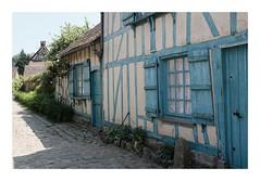 Ruelle à Gerberoy (DavidB1977) Tags: france picardie hautsdefrance gerberoy fujifilm x100f oise ruelle