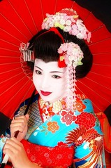 Geishas (Dolldiva67) Tags: geisha japanese japanesebeauty traditionalgeisha maiko