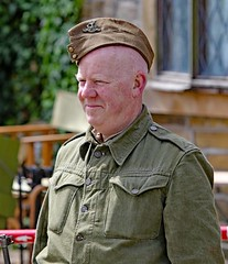 Haworth 1940's Weekend 2017 (grab a shot) Tags: canon eos 7dmarkii haworth haworth1940sweekend england uk yorkshire westyorkshire brontecountry reenactment livinghistory war worldwar2 ww2 wwii 1940s homefront oldfashioned vintage warweekend people outdoor man homeguard soldier unifor military 2017 uniform army solider male