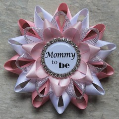 Pink, white and silver baby shower pins! https://t.co/toUbfoO5OT #etsy #party #babyshower #baby #momlife #parenting #pregnancy https://t.co/z39q2bBlW6 (petalperceptions.etsy.com) Tags: etsy gift shop fashion jewelry cute
