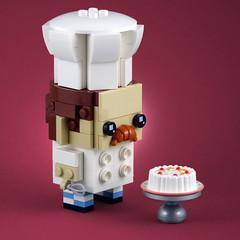 BrickHeadz: Pastry Chef (Swan Dutchman) Tags: lego brickheadz pastry chef patissier banketbakker baking bake dessert bread taart