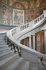 L'escalier royal du palais Farnese de Caprarola (Italie) (dalbera) Tags: dalbera escalier caprarola italie palaisfarnese vignola peinturesmurales