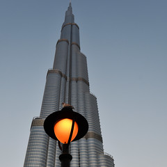 Dusk beckons (Arni J.M.) Tags: architecture building dusk bird burjkhalifa adriansmith up lamppost tallest balconies orange sky duabi uae