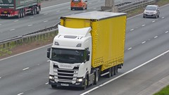 BF67 OPA (panmanstan) Tags: scania ng r450 wagon truck lorry commercial freight transport haulage vehicle a1m fairburn yorkshire