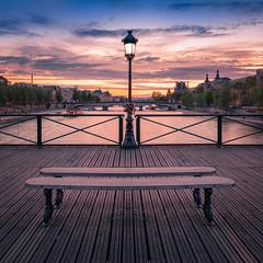 Paris - Pont des Arts (Toon E) Tags: 2018 france paris seine river bridge stantgermain museedelouvre city streelight sony 7rm2 zeiss sonyfe2470mmf4